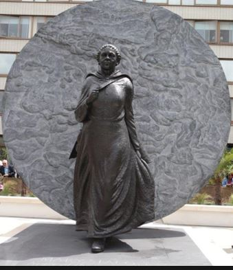 mary-s-statue